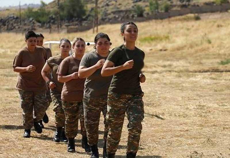 Ermənilərin son çırpıntısı: 100 qadın hərbi sıralarına qoşuldu