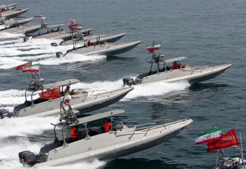 İran Fars körfəzində hərbi təlimlərə başladı